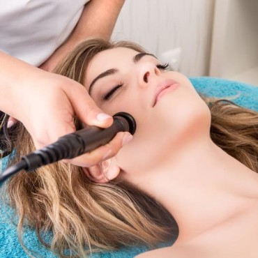 Ultraschall-Gesichtsbehandlung-k-q.jpg